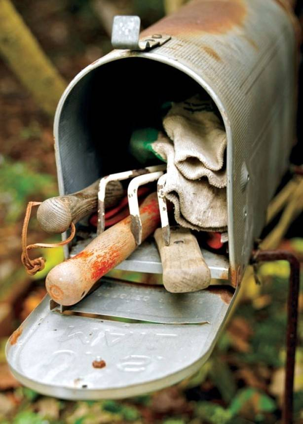 Mailbox as Tools Holder