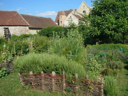 Medieval Garden Landscape in France 7 - Landscape & Backyard Ideas