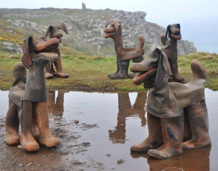Old Boots Transformed into Pieces of Art Garden Decor