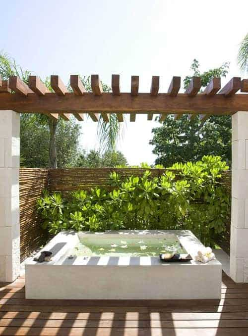 Outdoor Bathing Inspirations - garden-decor