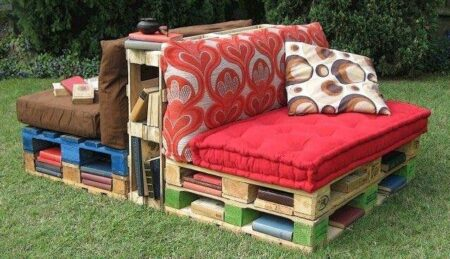 Pallet Outdoor Reading Corner Bench 1 - Pallets Projects & Furniture