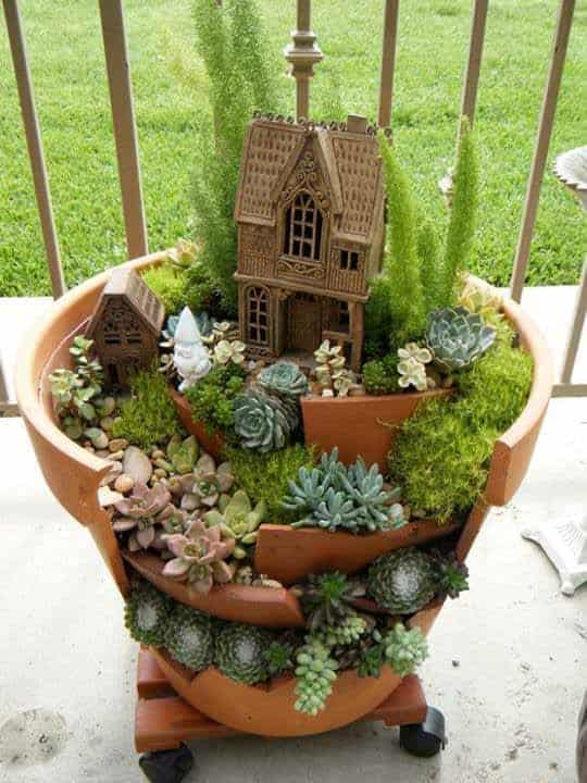 Awesome Clay Pot Mini Garden - flowers-plants-planters