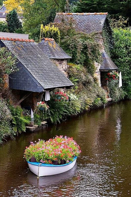 Flower-Boat-Brittany-France