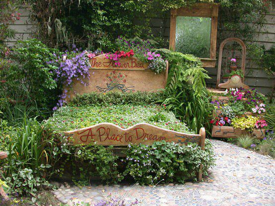 A Place to Dream : A Bedroom in Your Garden - garden-decor