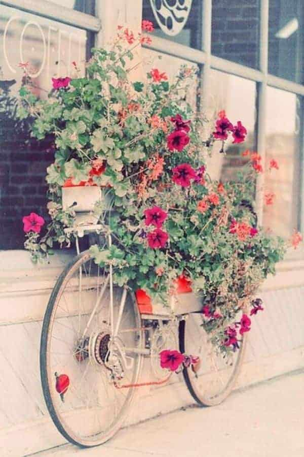 Turn Your Old Bike into an Original Garden Decoration 1 - Garden Decor - 1001 Gardens
