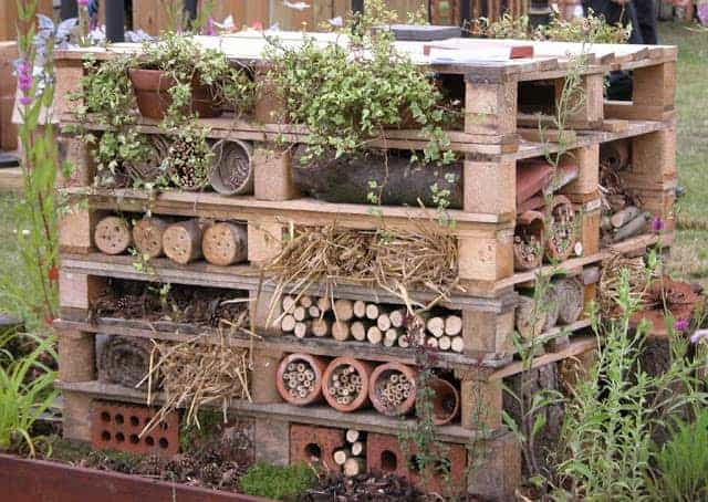 Insects Hostel Made from Repurposed Pallets - garden-pallet-projects-ideas, feeders-birdhouses