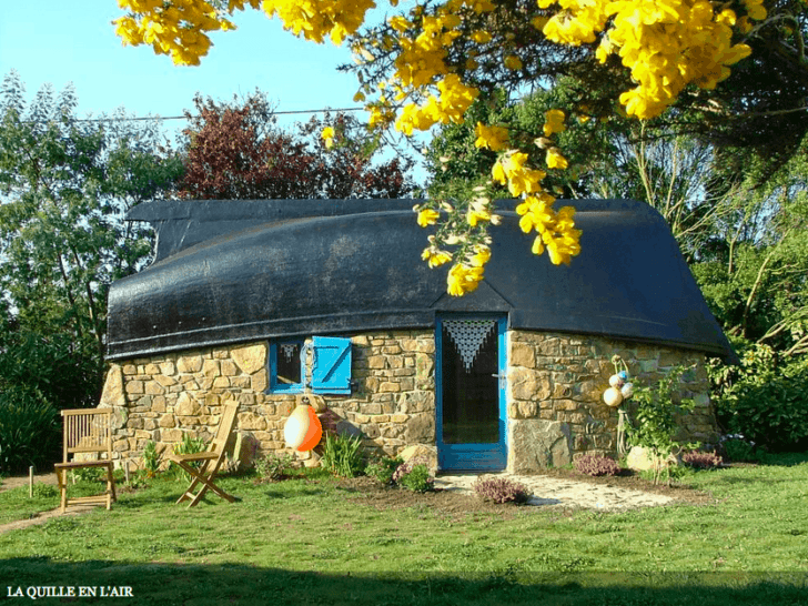 Roof Made From An Upcycled Boat Sheds, Huts & Tree Houses