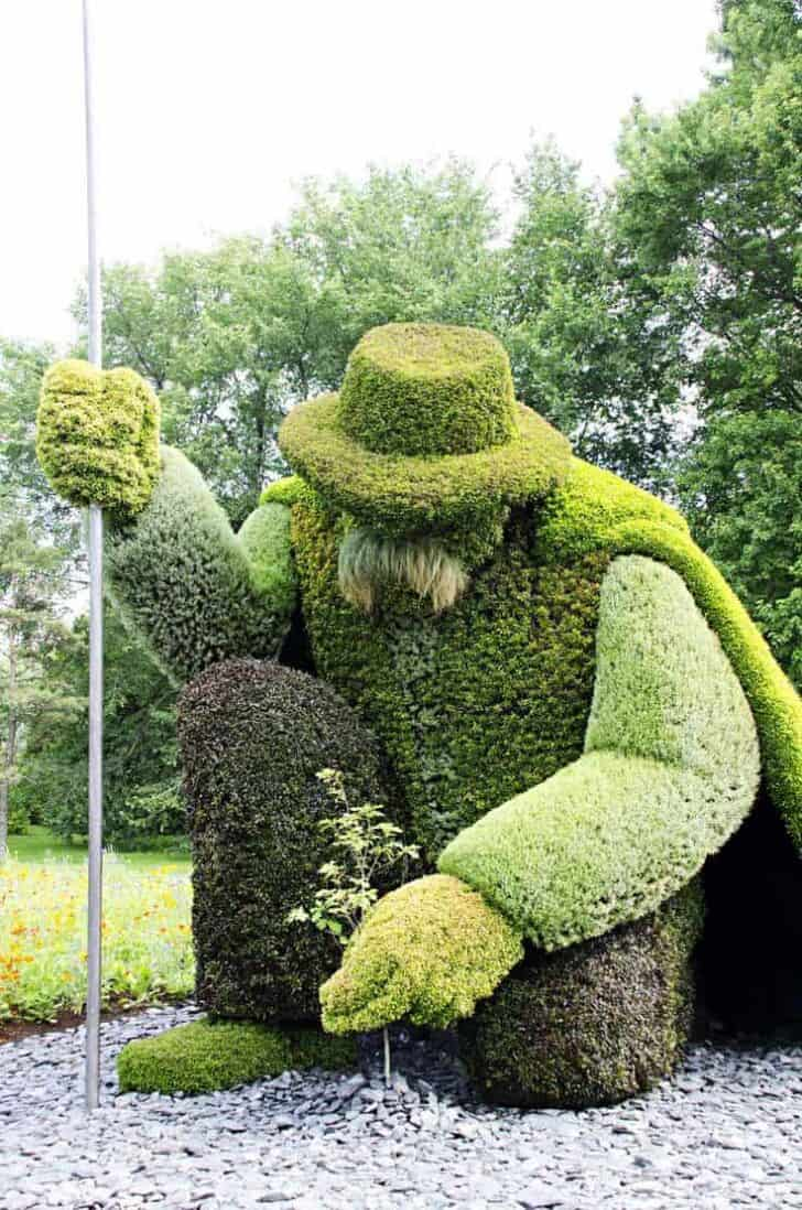 Top 20 Sculptural Topiaries 3 - Garden Decor - 1001 Gardens