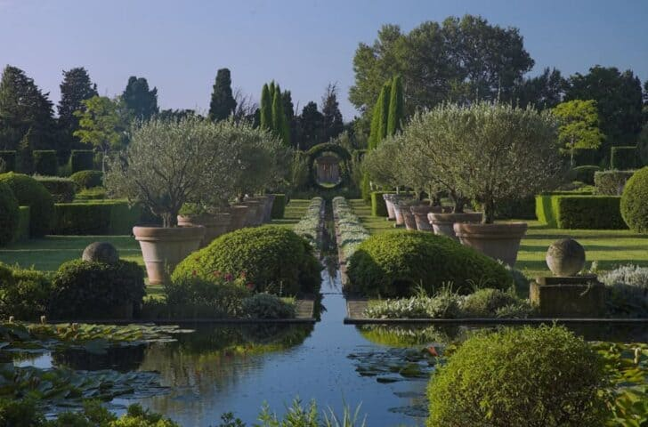 Experimental Garden Landscape by Dominique Lafourcade in Provence - landscaping