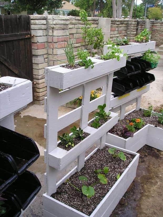 Recycled Pallet Into Garden Planters - garden-pallet-projects-ideas, flowers-plants-planters