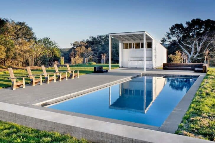 Modern Barn in Sonoma County, California Pools & Spas