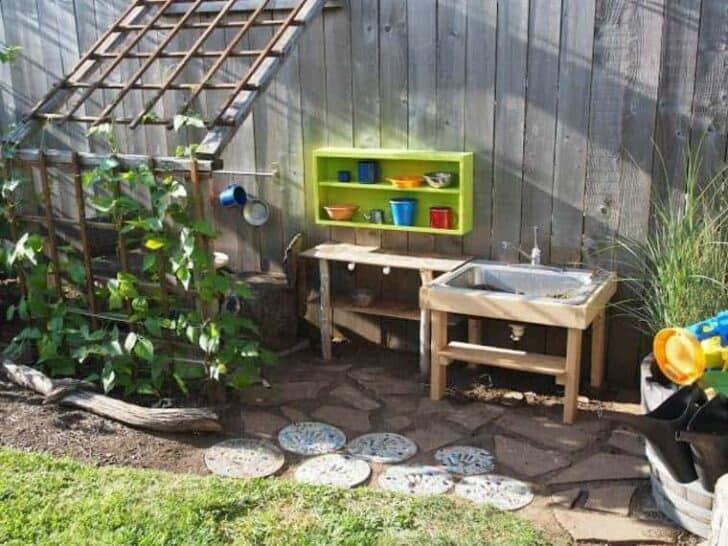 20 Mud Kitchen Ideas for Kids 1 - Kids Playhouses & Playgrounds - 1001 Gardens