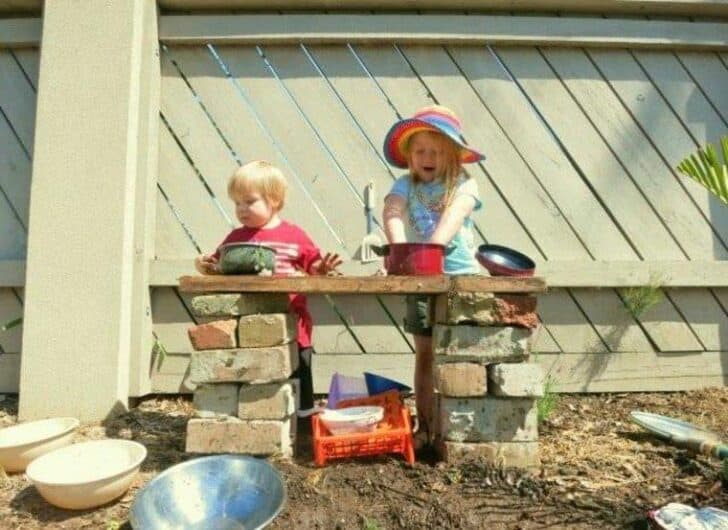 20 Mud Kitchen Ideas for Kids 2 - Kids Playhouses & Playgrounds - 1001 Gardens