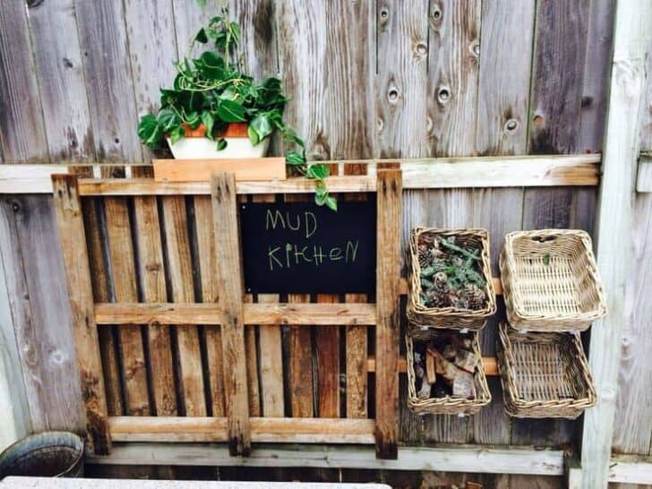 20 Mud Kitchen Ideas for Kids 5 - Kids Playhouses & Playgrounds - 1001 Gardens