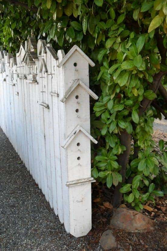 Birdhouse Fences 1 - Bird Feeders & Houses - 1001 Gardens