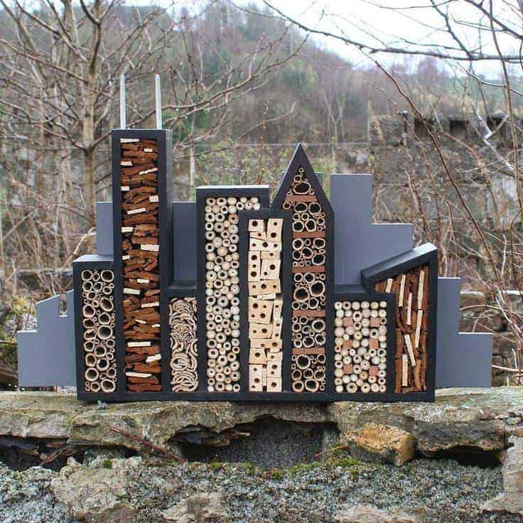 11 inspirations for insect hotels 1001 gardens - Maison a insectes plan ...