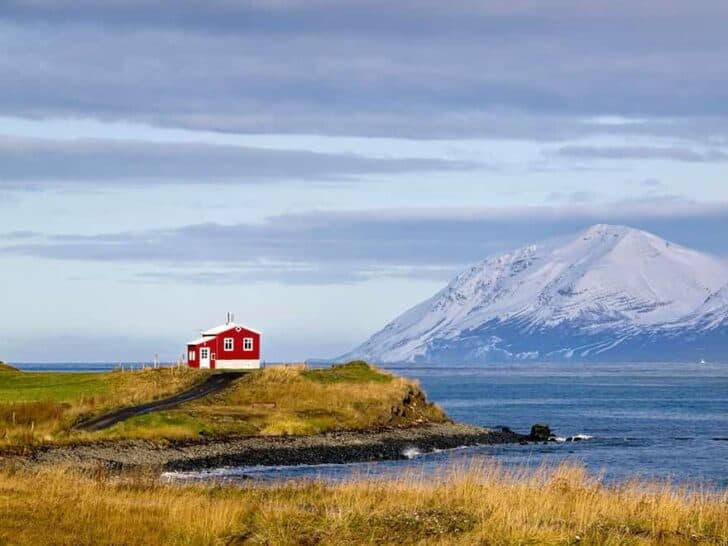 small-house-grand-nature-landscape-photography-2__880