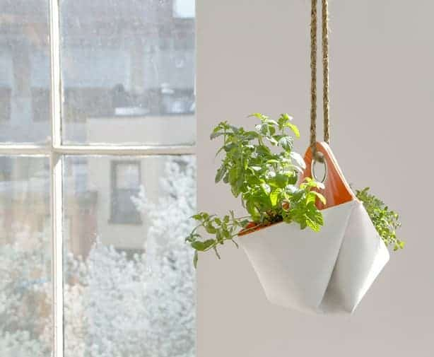 nomad-planter-hanging-by-window