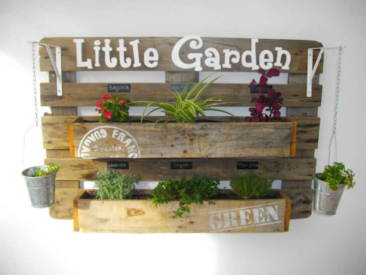 Upcycled Pallet Wall Planter Flowers, Plants & Planters Garden Pallet Projects & Ideas
