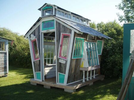 Funky Garden Shed 23 - Pallets Projects & Furniture