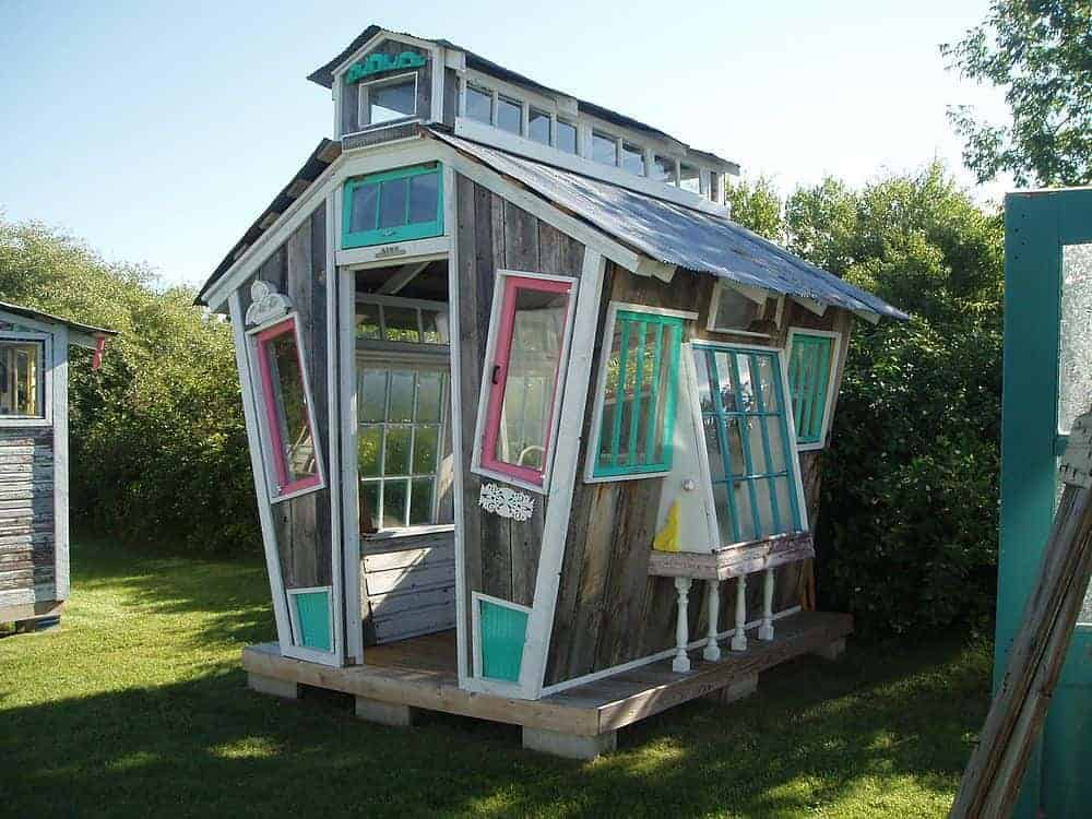 Funky Garden Shed - sheds-huts-treehouses, garden-pallet-projects-ideas