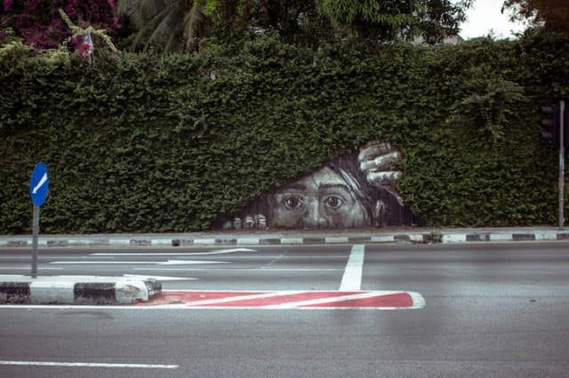 27 Pieces Of Street Art That Interact With Nature - guerrilla-gardening