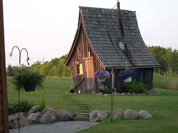 rustic-guest-cottage-4