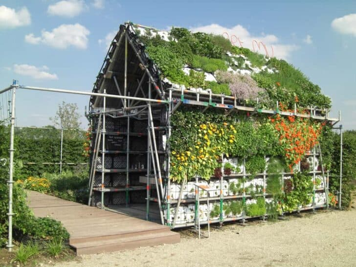 Eathouse : a Concept of Garden in the Form of a House - sheds-huts-treehouses