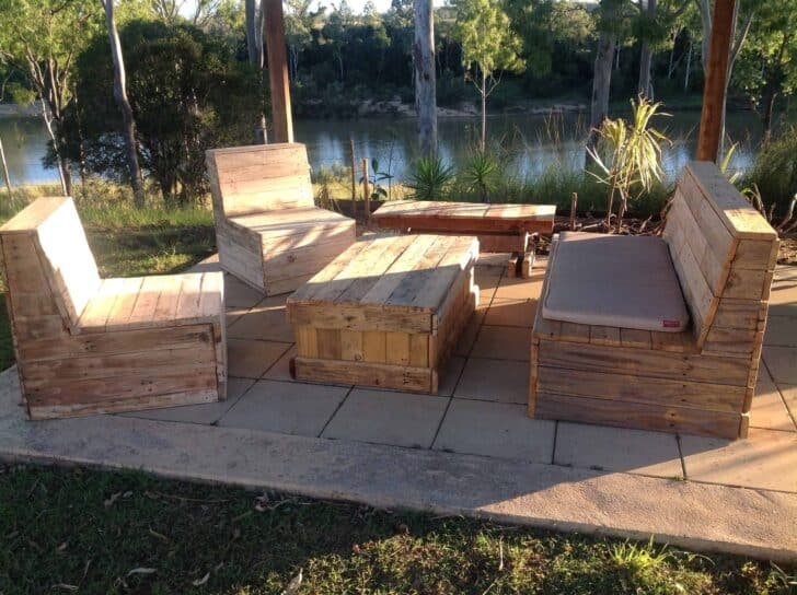Outdoor Kitchen & Garden Steps Made Out Of Recycled Pallets - patio-outdoor-furniture, garden-pallet-projects-ideas