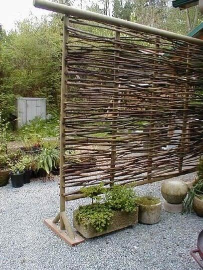 How To Make Wattle Fencing: An Inexpensive Option For Fencing, Garden Walls, Screens Etc... Fences