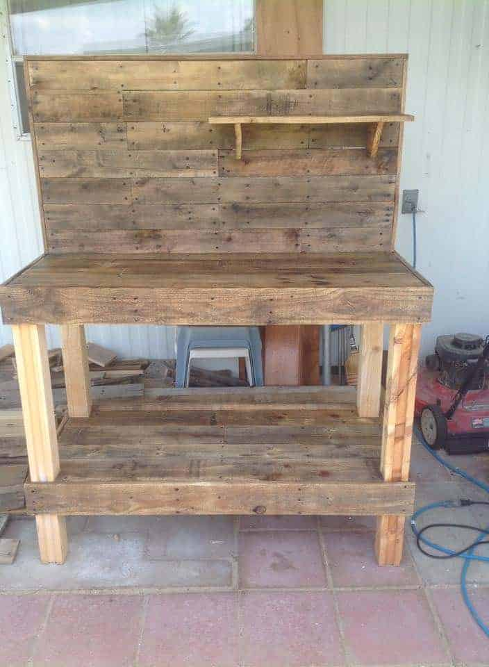 Potting Bench Made From Repurposed Wooden Pallets 1001