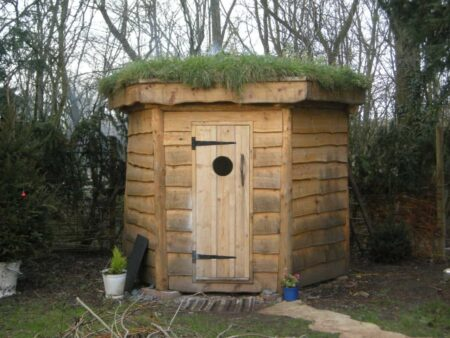 Hexagonal Timber Frame Sauna With Green Roof 3 - Summer & Tree Houses - 1001 Gardens