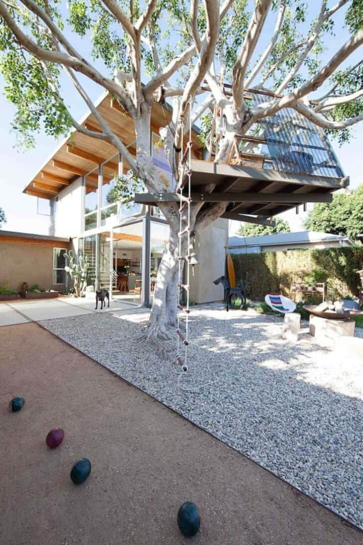 A-frame Beautiful Tree House in Venice Sheds, Huts & Tree Houses