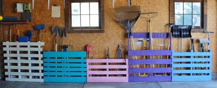 1   A Pallet Storage As A Garden Tool Rack
