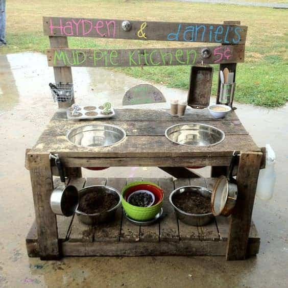10 Fun Outdoor Mud Kitchens For Kids Garden Ideas 1001