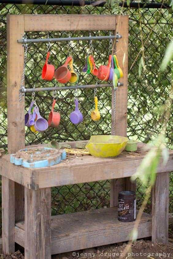 10 Fun Ideas for Outdoor Mud Kitchens for Kids 1 - Kids Playhouses & Playgrounds - 1001 Gardens