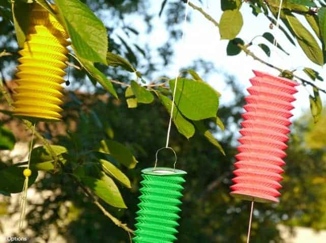 8 Ideas to Decorate Trees - garden-decor