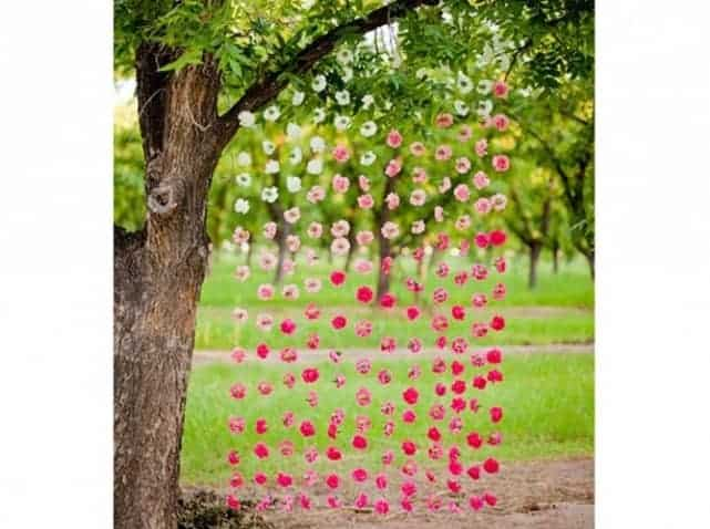 8 Ideas to Decorate Trees • 1001 Gardens
