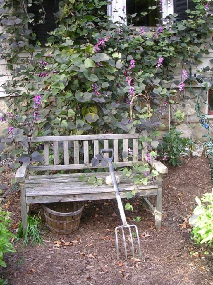 12 Shabby Chic & Bohemian Garden Ideas - garden-decor