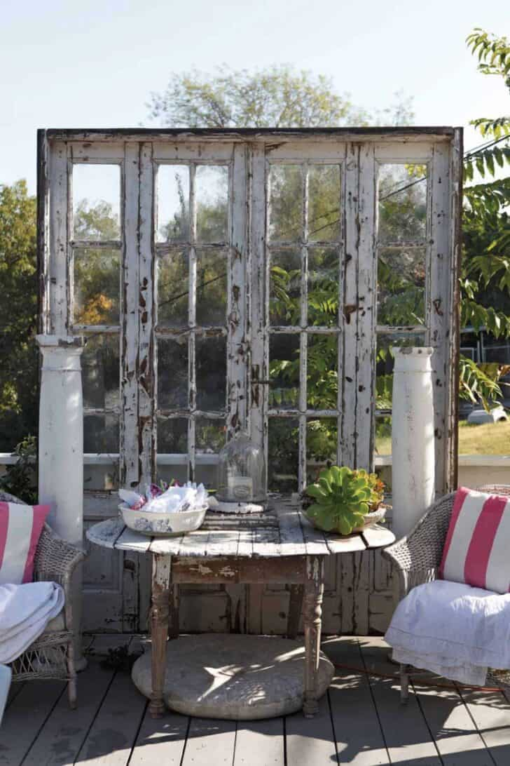 12 shabby chic bohemian garden ideas 1001 gardens for Outdoor patio accessories