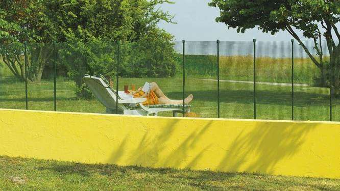 20 inexpensive fencing ideas for your garden 1001 gardens for Pretty fencing ideas