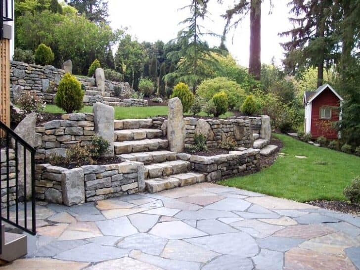 10 hillside landscaping tips 1001 gardens - Critical elements for a backyard landscaping ...