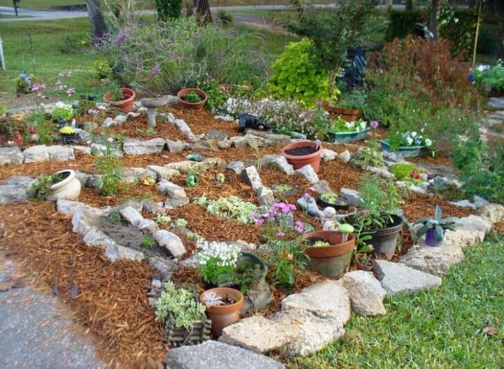 20 DIY Ideas For Garden Decor With Pebbles And Stones   Garden Decor
