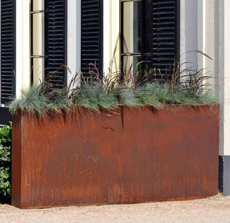 Corten Steel: 50 Very Trendy Garden Decor Ideas 35 - Patio & Outdoor Furniture