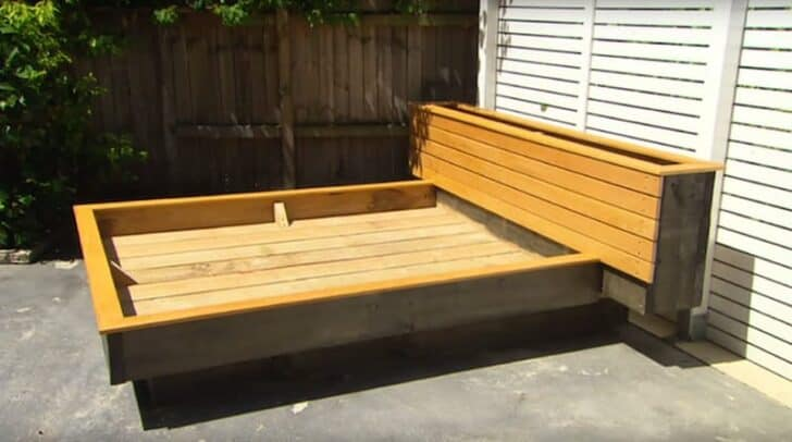 How to Make an Amazing Grass Daybed with Pallets 5 - Patio & Outdoor Furniture