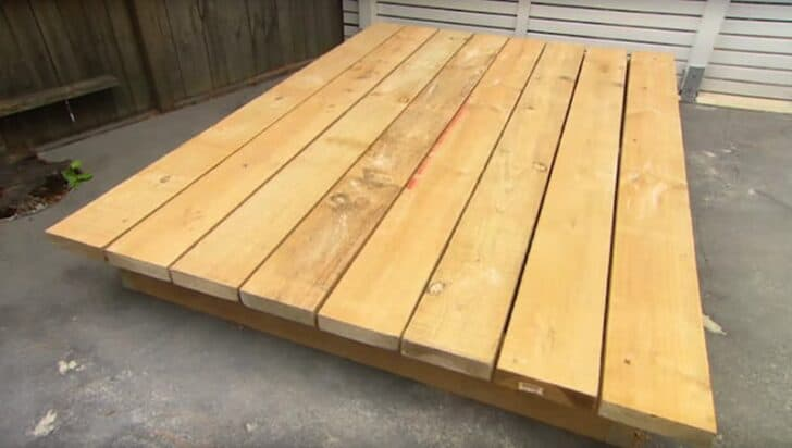 How to Make an Amazing Grass Daybed with Pallets 3 - Patio & Outdoor Furniture