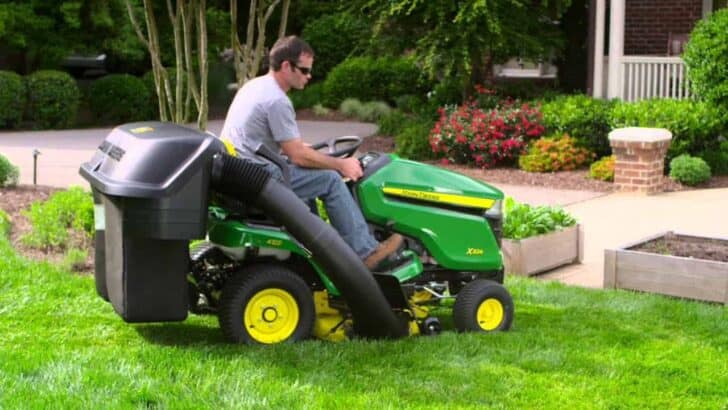 What Are The Different Types of Lawn Mowers? 4 - Garden Tools - 1001 Gardens